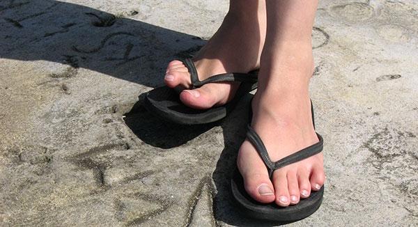 ¿Sabes cómo elegir el mejor calzado para que tus pies no sufran?